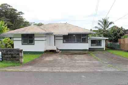 9 Grand View Pl Wahiawa HI 96786