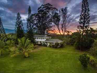 5150 Kahiliholo Rd #A Kilauea HI 96754